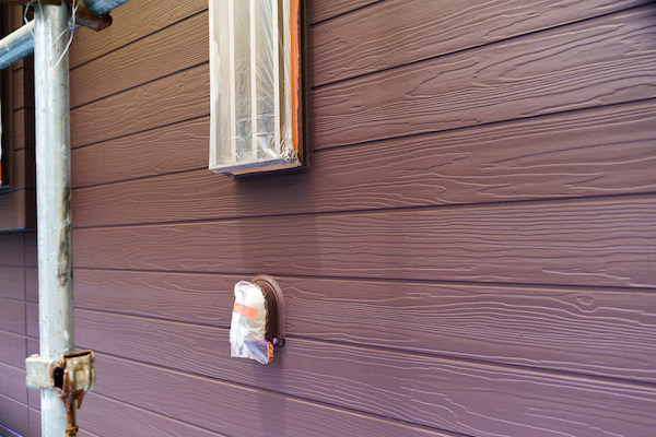 まるで本物の木材!? 実は、木目サイディングのデザイン塗装なんです!_5