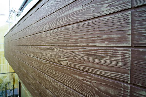 まるで本物の木材!? 実は、木目サイディングのデザイン塗装なんです!_9